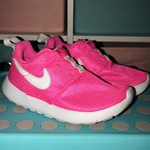 Girls Nike slip on worn a few times size 10